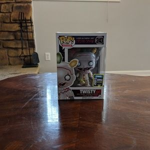 #243 Funko Pop TWISTY UNMASKED